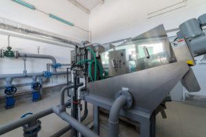 Установки - механическая очистка и обезвоживание | Акваинж